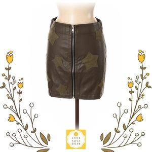 🟢2X$30 Dance & Marvel Faux Leather Skirt W91